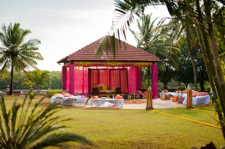 5(pp w768 h510) Pooja & Saurin   Holiday Inn, Goa